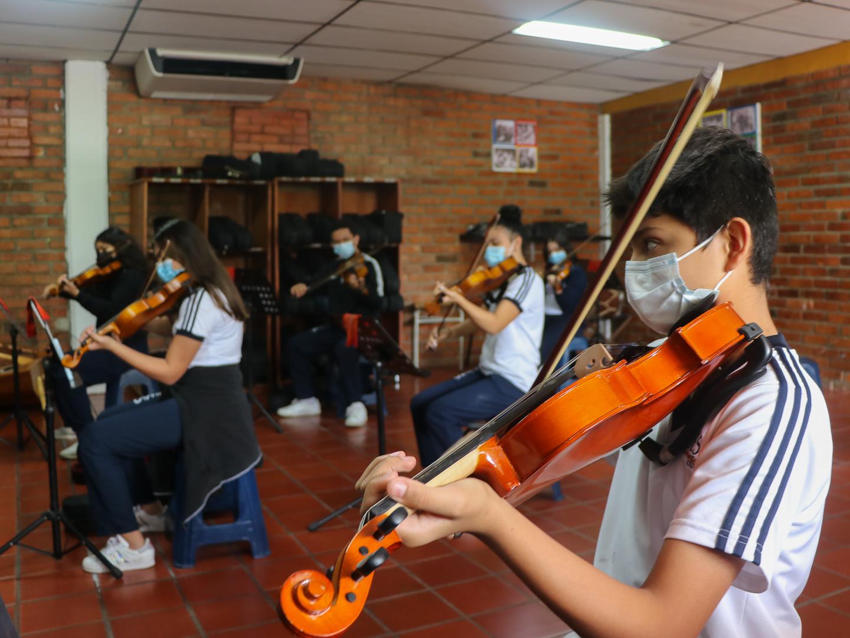 orquesta sinfonico coral violin viola