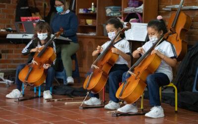 Nuevos instrumentos la orquesta sinfónica CEES
